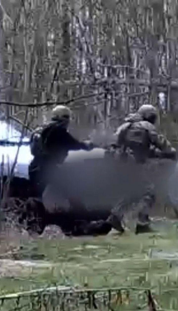 Недалеко от дома Зеленского под Киевом задержали вооруженных людей