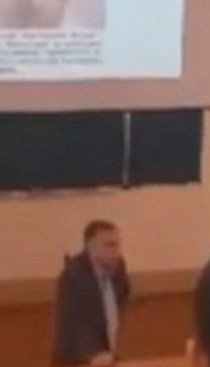 Викладач Сумського держуніверситету влаштував на лекції агітацію одного з кандидатів у президенти