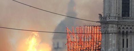 Пожар в соборе: строители курили на крыше Нотр-Дама, несмотря на запрет