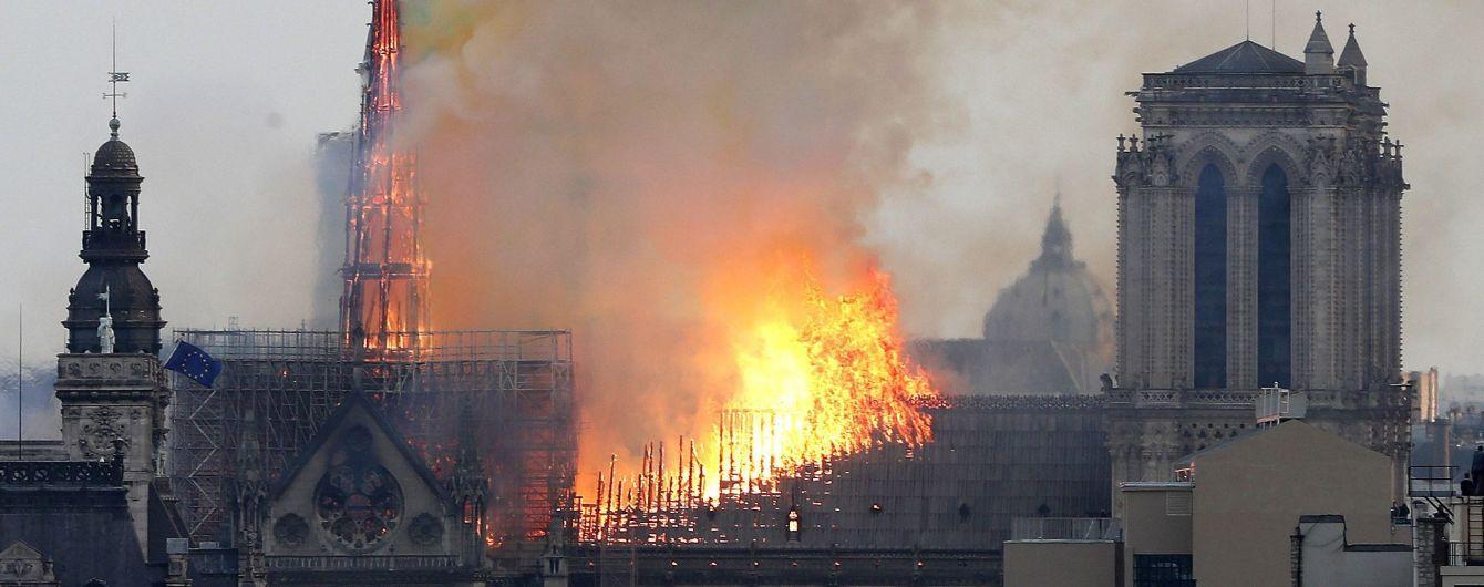 Пожар в Нотр-Дам: главные видео, которые дают представление о масштабах бедствия