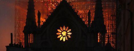 Два месяца после пожара в Нотр-Даме: в соборе состоится первая месса, а обещанные пожертвования не приходят