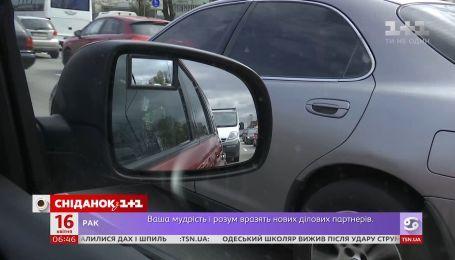 Смартфон как причина ДТП: как наказывают за использование гаджетов за рулем в Украине и мире