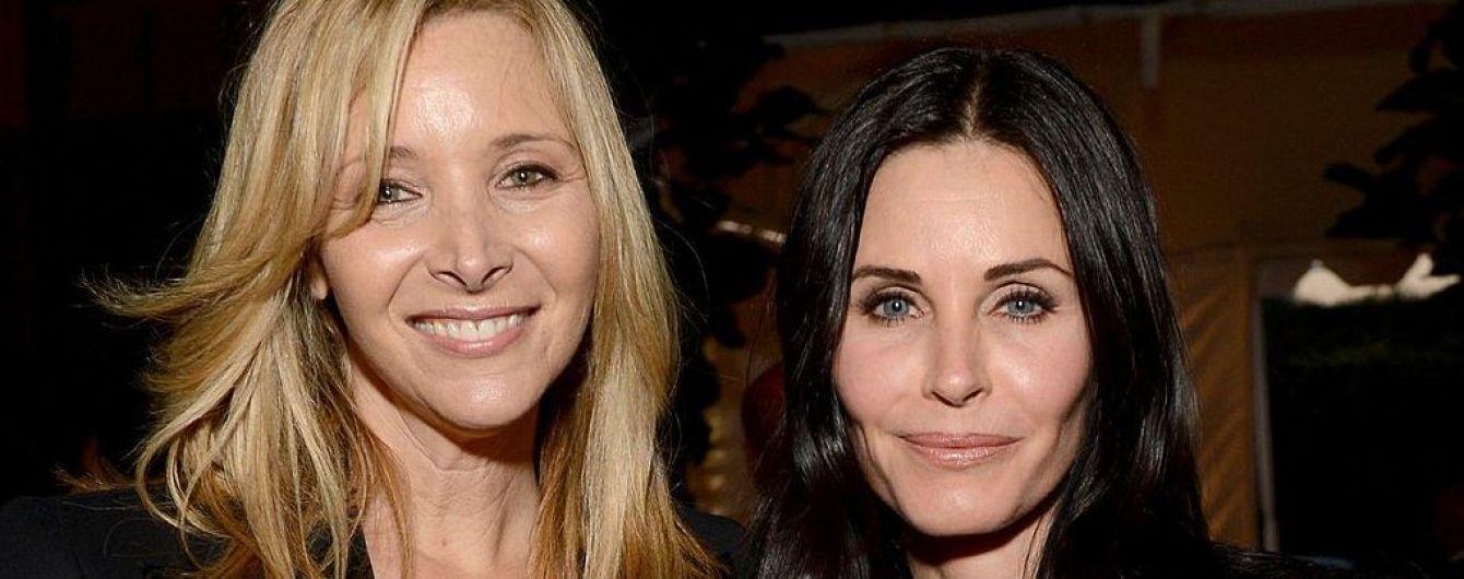 """Актрисы сериала """"Друзья"""" показали, как выглядят 15 лет спустя"""