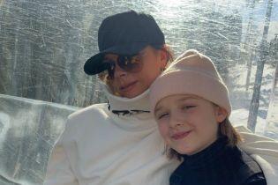Виктория Бекхэм умилила снимком дочери, которая в восторге от сына Евы Лонгории