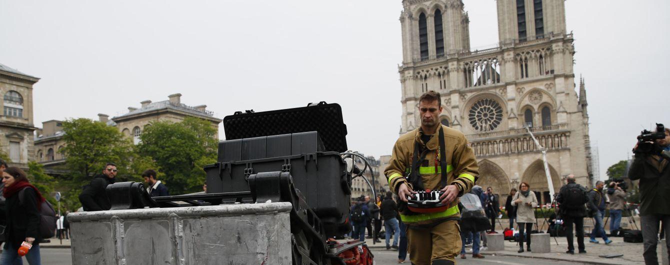 От первого лица: пожарные опубликовали впечатляющее видео тушения пожара в Нотр-Дам