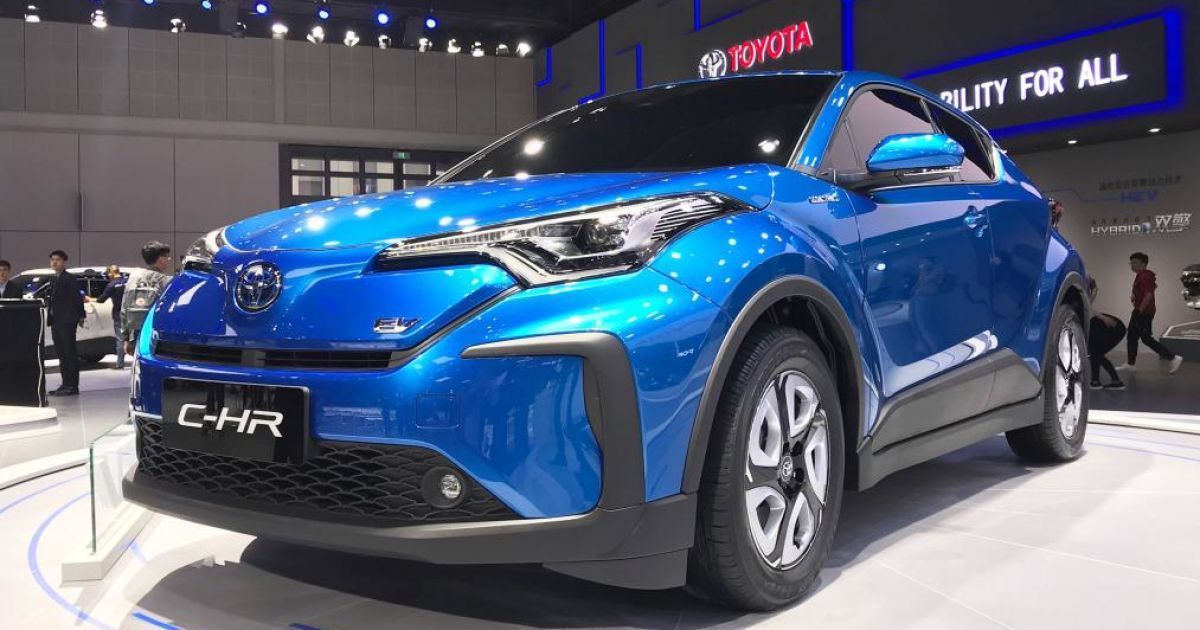 Toyota C-HR @ autoexpress