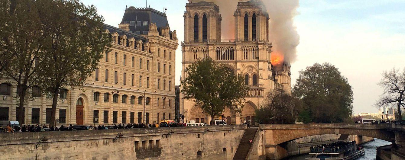 В Париже озвучили первую версию возгорания Нотр-Дама
