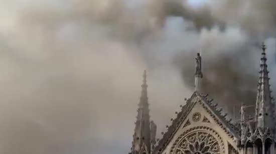 На реконструкцію собору Паризької Богоматері зібрали лише 9% необхідних коштів