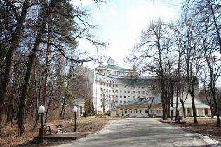 У МОЗ вирішили покласти край окремим медзакладам для високопосадовців
