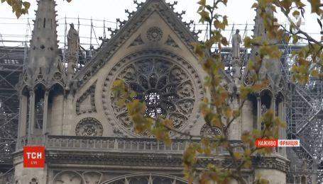 600-летний орган и витражи Нотр-Дам де Пари уцелели после пожара