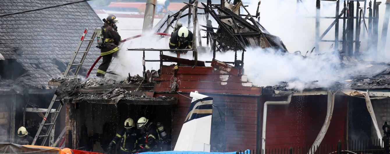 В Чили самолет упал на дом. Есть погибшие