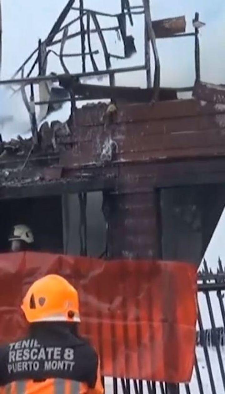 Легкомоторний літак розбився об житловий будинок, загинули шестеро