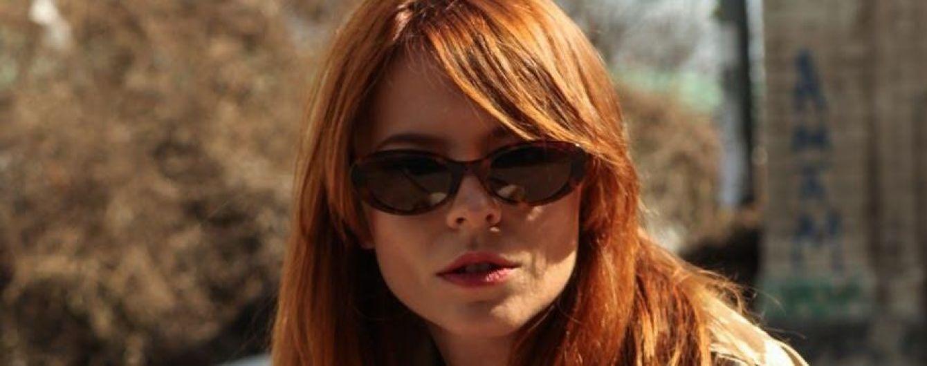 """""""Хвостатый четверг"""": известная актриса в одежде украинского бренда снялась в поддержку бездомных собак"""