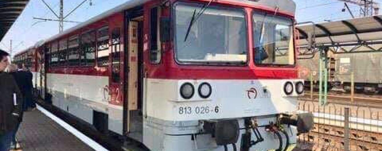 Омелян пообіцяв до кінця року запустити потяг з України до Праги
