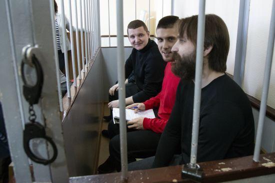 До полонених українських моряків не пускають адвокатів - Полозов