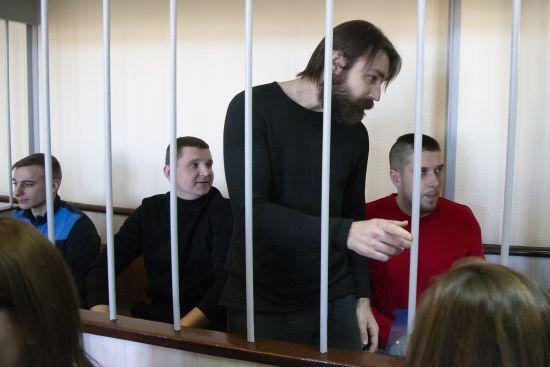 Російський суд залишив за ґратами усіх українських військовополонених моряків