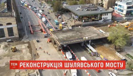 Шулявский мост развалили - на месте путепровода теперь дыра