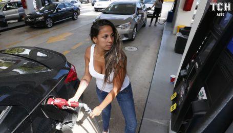 Сколько стоит заправить авто на АЗС утром 22 апреля