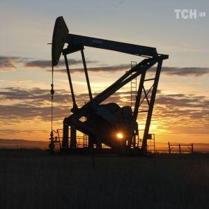 Ціни на нафту різко підскочили після нападу на заводи у Саудівській Аравії