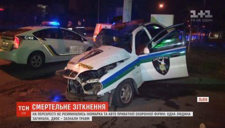 Вследствие ночного ДТП во Львове один человек погиб, еще двое получили травмы