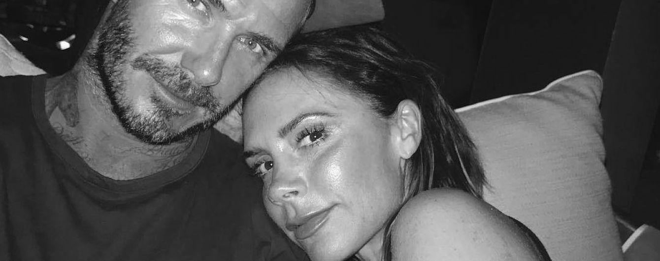 Дэвид Бекхэм показал утреннее фото своей жены Виктории без макияжа