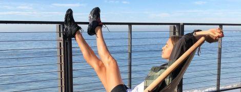 Уехала к морю: Ирина Шейк поделилась с поклонниками необычным снимком