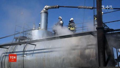 5 человек получили ожоги во время пожара на нефтебазе под Николаевом