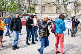 В Одессе облили нечистотами нардепа Найема
