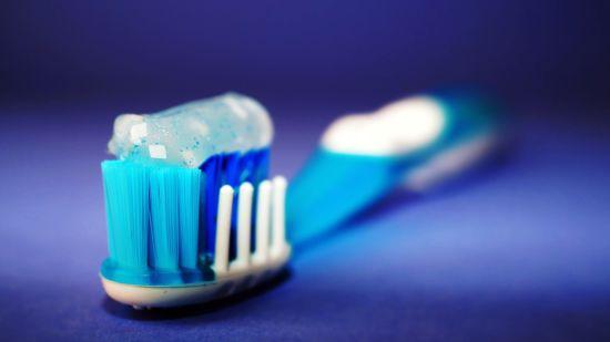 У США маленька дівчина померла через алергію на зубну пасту