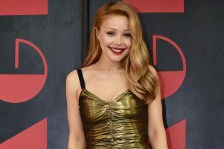 Теперь в Dolce & Gabbana: Тина Кароль подчеркнула сексуальную фигуру золотым платьем за 53 тысячи гривен