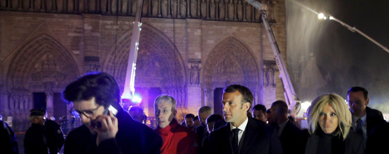 Макрон стал популярнее после пожара в парижском соборе