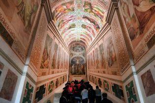 У Римі вперше за 300 років відкрили Святі сходи. Відео