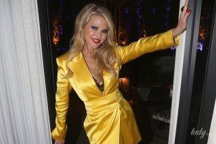 Жінка-вогонь: 65-річна Крісті Брінклі у жовтій міні-сукні засвітила нижню білизну на вечірці