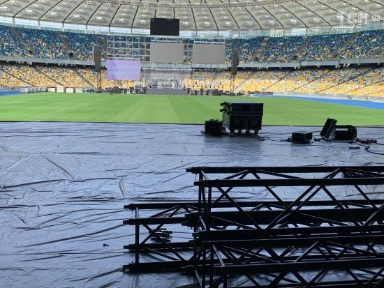 """Дебати на """"Олімпійському"""": на стадіоні завершили всі необхідні роботи для проведення заходу"""