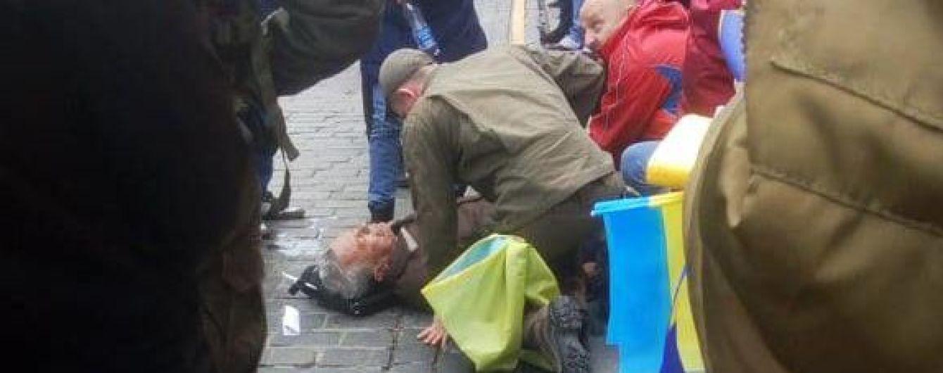 В центре Киева правоохранители оказали помощь мужчине, у которого случился сердечный приступ