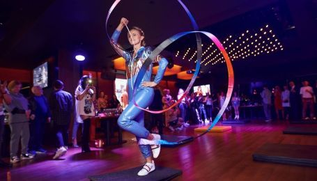 Звезды спорта представили стильную коллекцию Юлии Айсиной