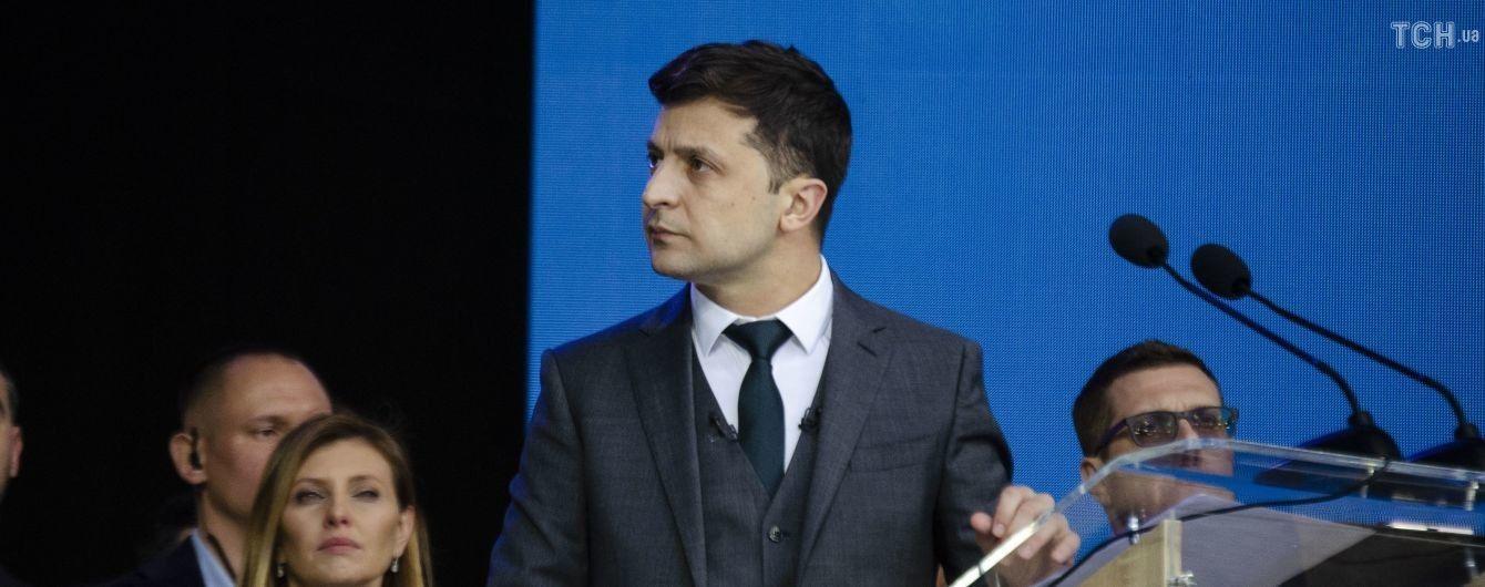"""Почти половина украинцев считает Зеленского победителем дебатов на """"Олимпийском"""" – опрос"""
