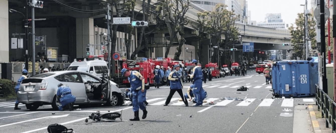 У Токіо автомобіль влетів у натовп людей. Є загиблі