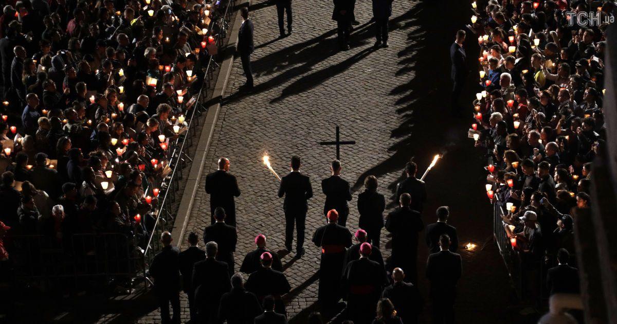 Католики и протестанты празднуют Пасху