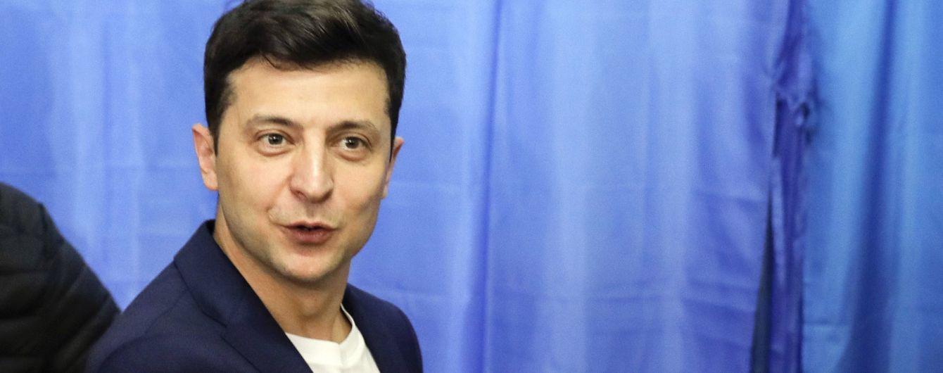Зеленский пообещал проанализировать принятый закон об украинском языке на соблюдение Конституции