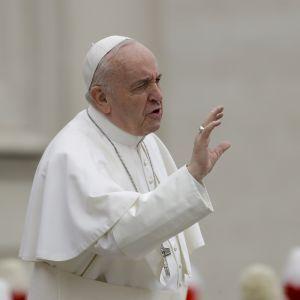 В пасхальной речи Папа Римский упомянул Украину