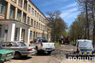 """У Волновасі повідомили про """"мінування"""" виборчої дільниці – людей довелось евакуювати"""