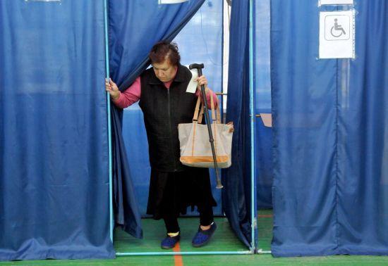 Масові замінування та неадекватні вчинки на дільницях: як відбуваються вибори в Україні