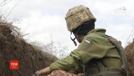 Український захисник зазнав поранення внаслідок ворожого обстрілу