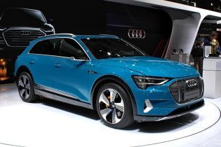 Часть электрокаров Audi отзовут из-за угрозы воспламенения