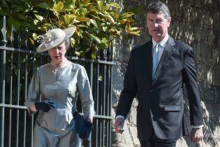В пальті кольору металік: принцеса Анна обрала для світського виходу екстравагантний образ