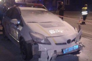 Мужчине, который в центре Киева угнал полицейское авто и сбил патрульную, грозит пожизненное заключение
