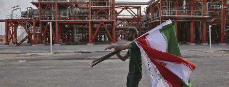 В Иране нашли огромное месторождение с 53 млрд баррелей нефти - президент Рухани