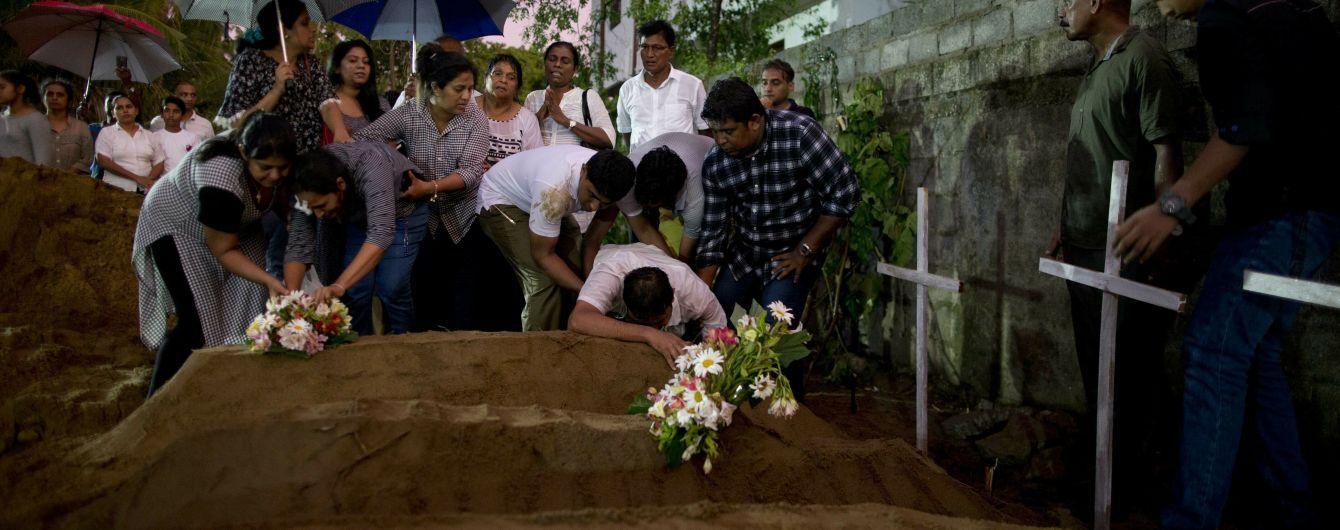 В самой масштабной серии терактов на Шри-Ланке погибло уже три десятка иностранцев из 13 стран