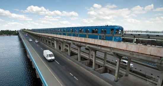 На Великдень метро Києва працюватиме довше